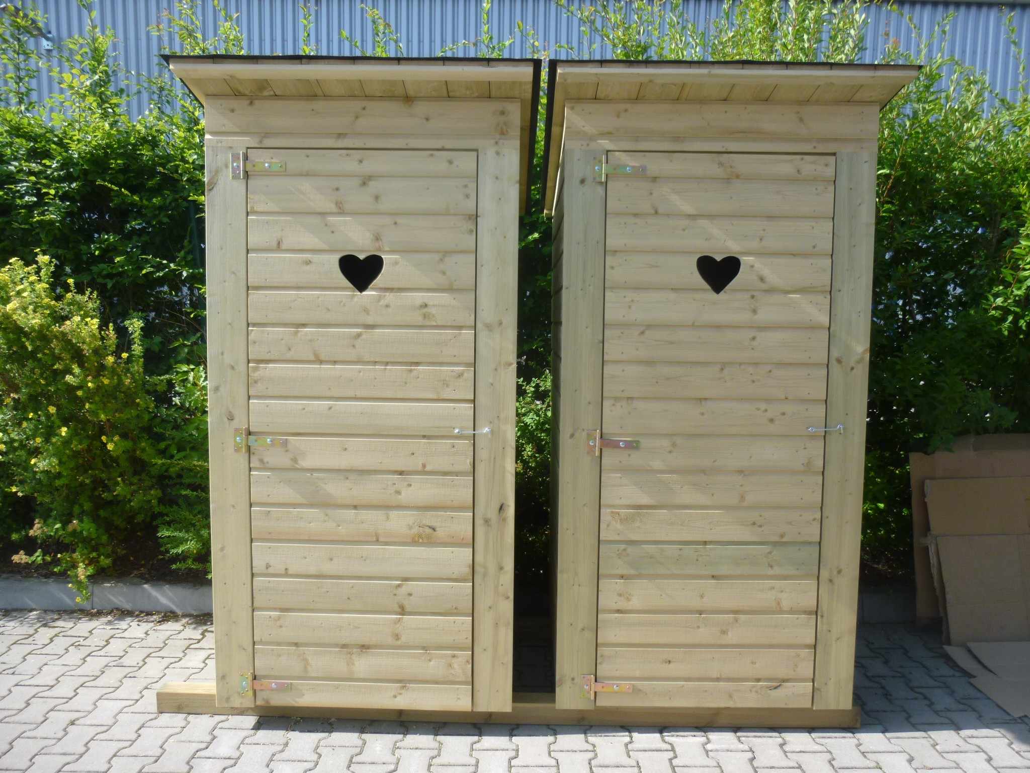 Zahradní toaleta