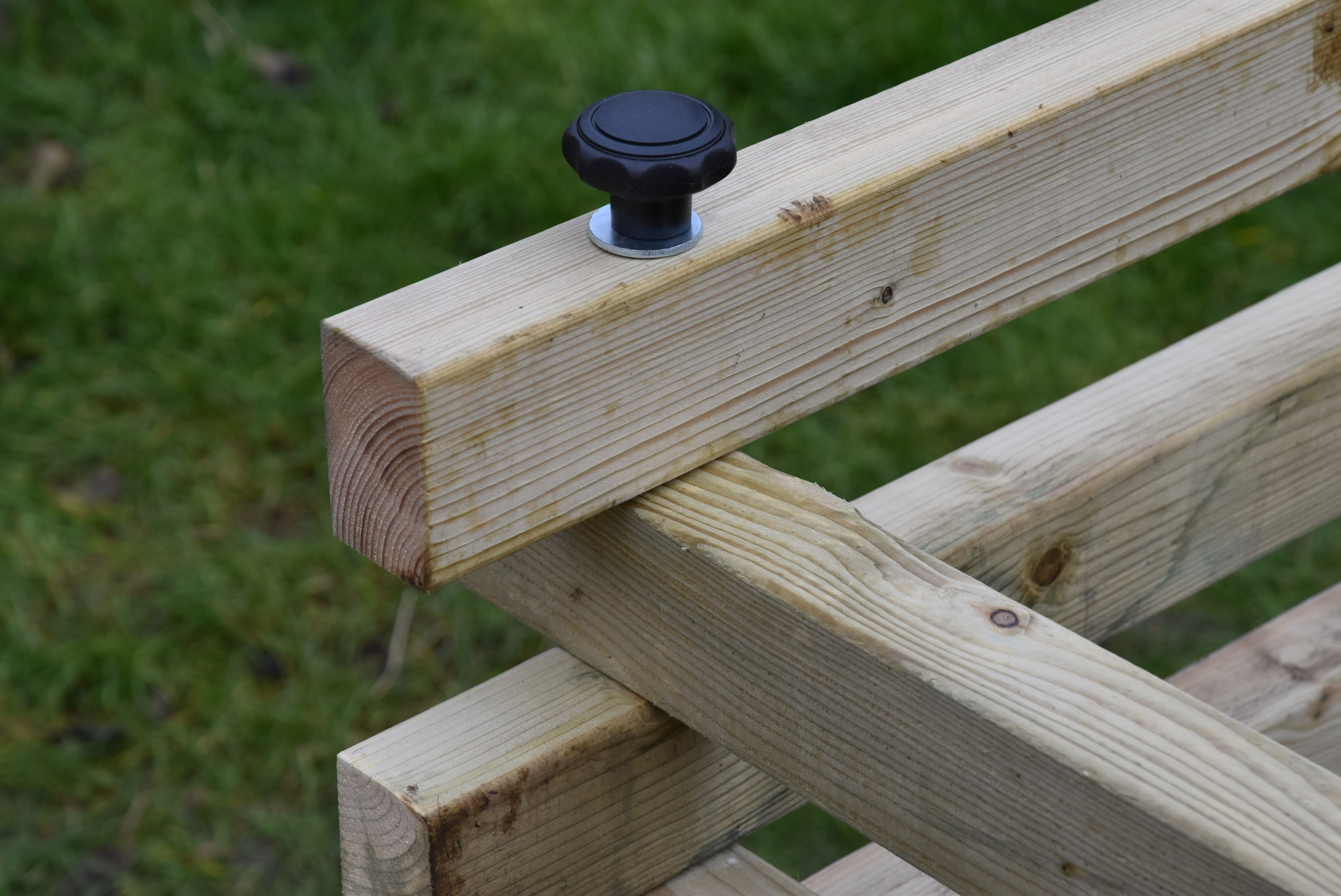 Dřevěný kompostér 200 x 200 cm
