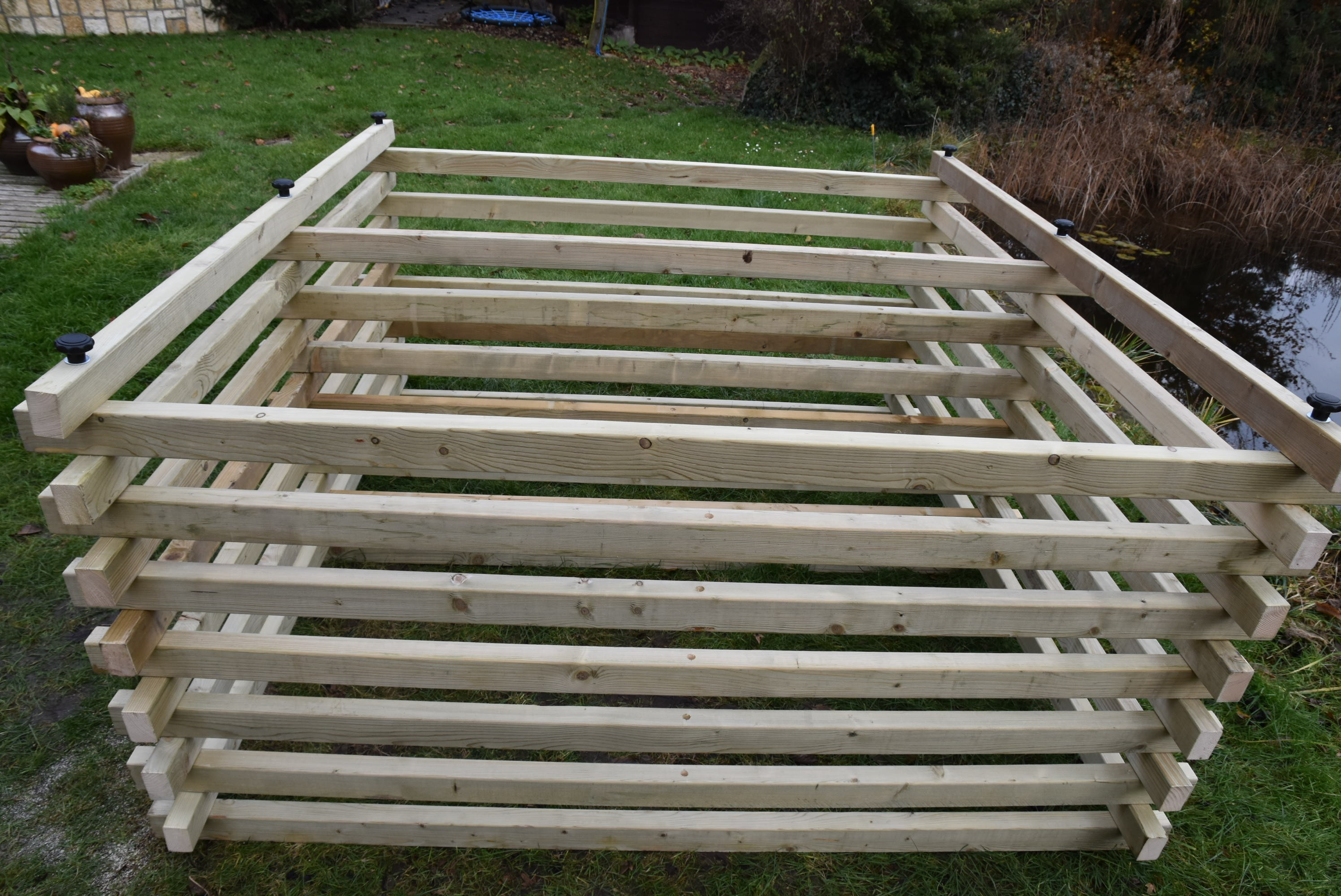 Dřevěný kompostér 200 x 200 cm s přepážkou