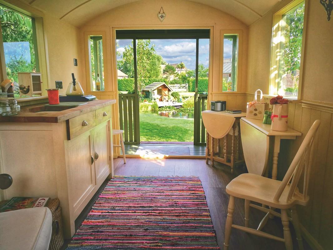 Maringotka 500 s verandou