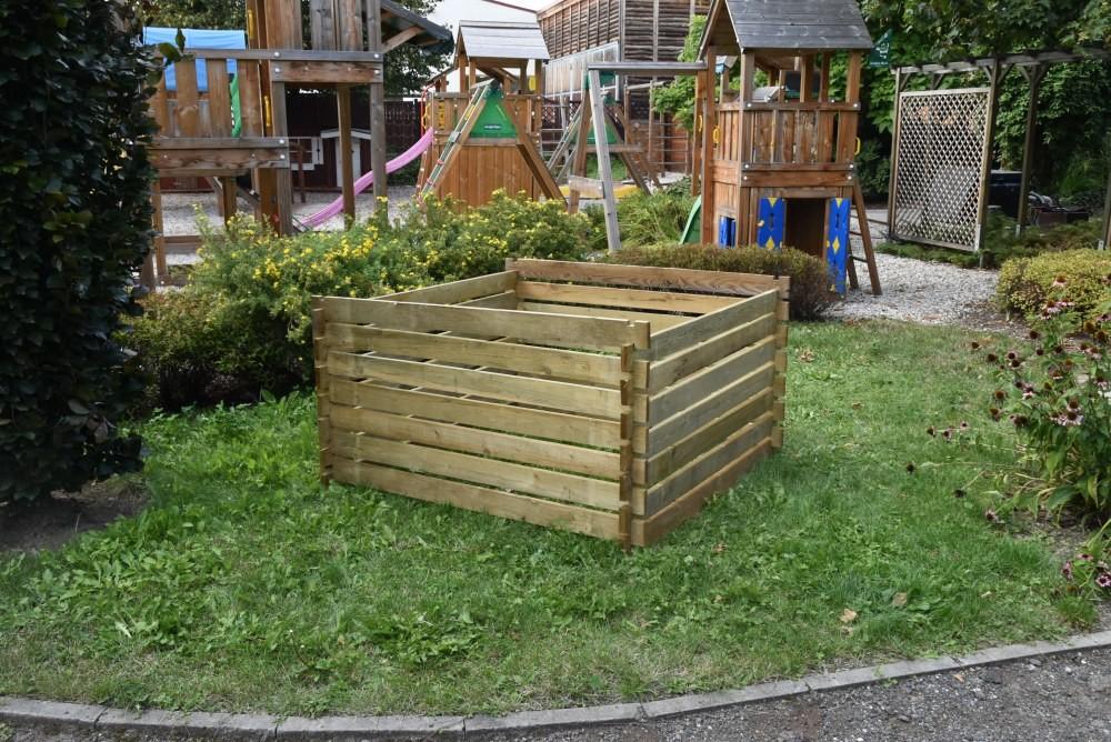 Dřevěný kompostér 120 x 120 cm 800l