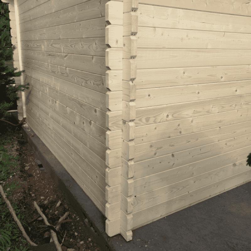 Garážové stání Roger 21,9 + 5,2 m2 s dřevěnými vraty