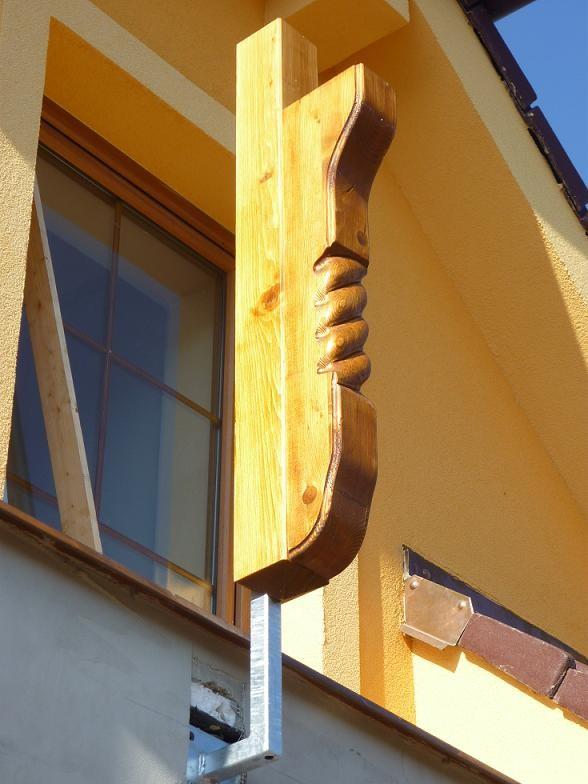 Balkonová podpěra 21 s řezbou