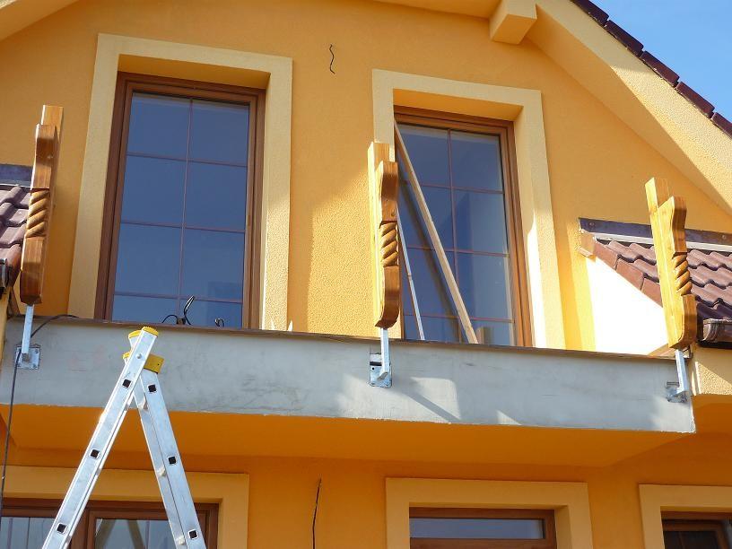 Balkonová podpěra 27 s řezbou