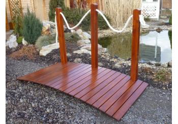 Dřevěná  lávka s provazem