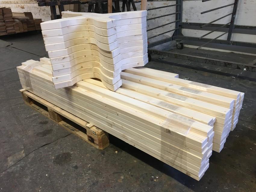 Lavičky z masivního smrkového dřeva