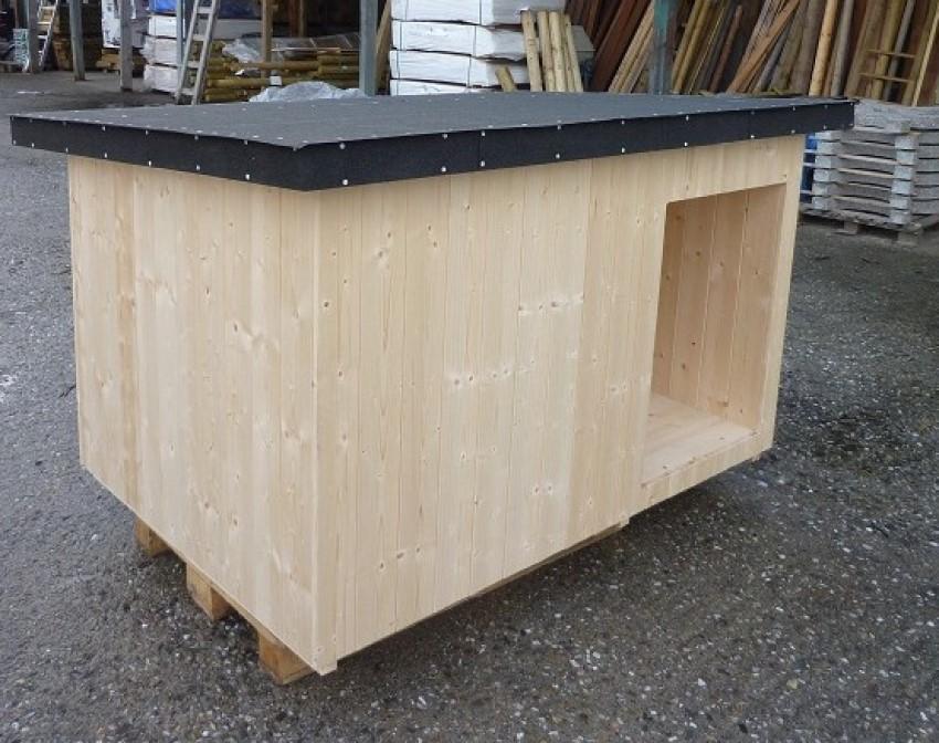 Dřevěná bouda pro psa má bytelnou konstrukci
